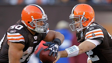 Peyton Hillis and Colt McCoy were key players in a big Browns win.