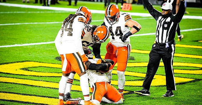 Karl Joseph scores on a fumble recovery in the end zone on the first play of the game to give the Browns an immediate lead. (Matt Starkey/Cleveland Browns)