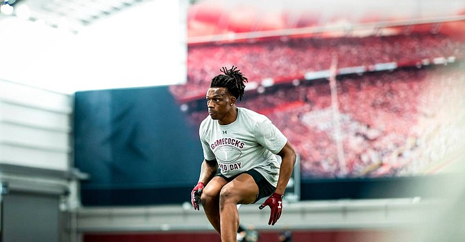Tall and rangy cornerback Jaycee Horn of South Carolina will not drop to No. 26, so the Browns will have to trade up to get him. (thestate.com)